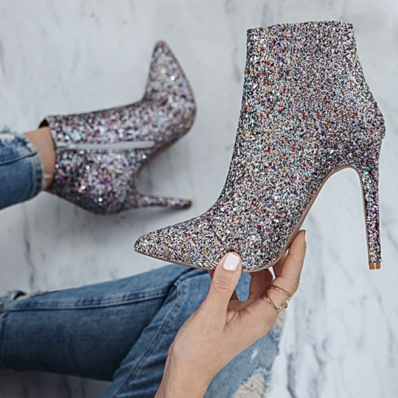beyond the fame Shoes - PRE-ORDER LATA O PLOMO ANKLE BOOTS